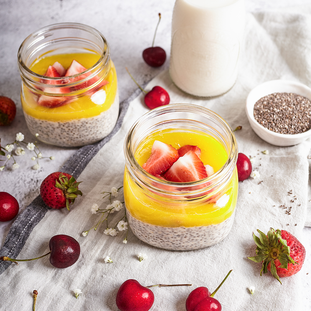 Overnight chia with almond milk and mango