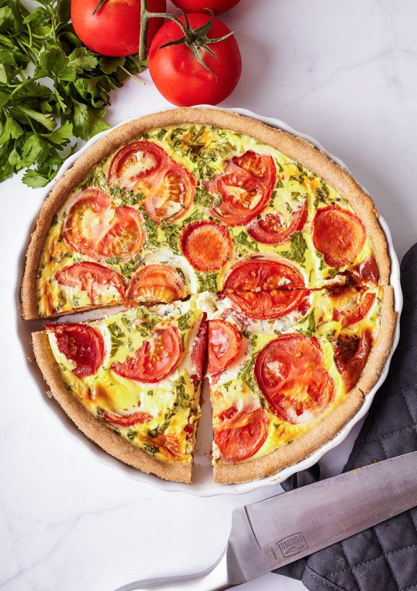 Tomatoes, parsley and cheese quiche
