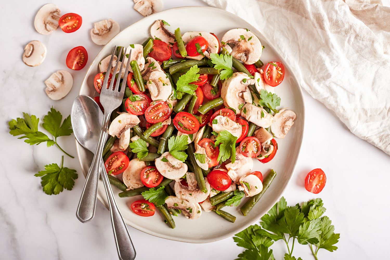 Green beans and cherry tomatoes salad