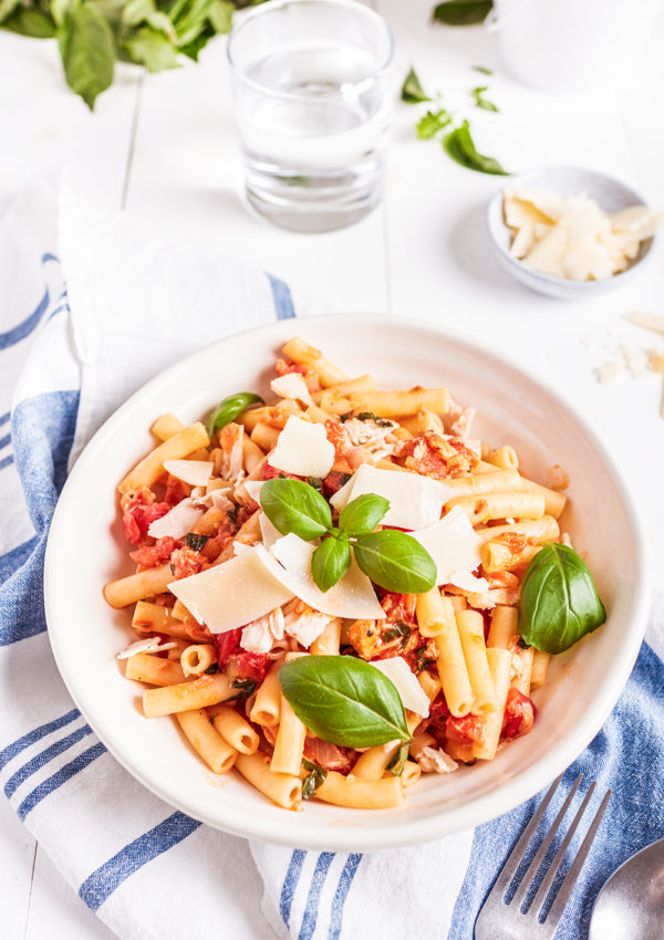 Tuna and tomato ziti with basil