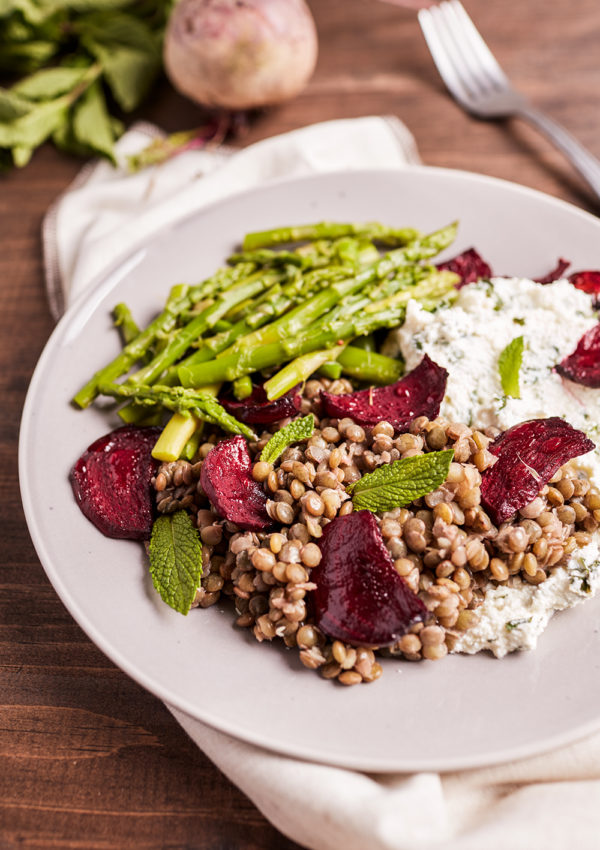Lentils and roasted beetroots with mint ricotta