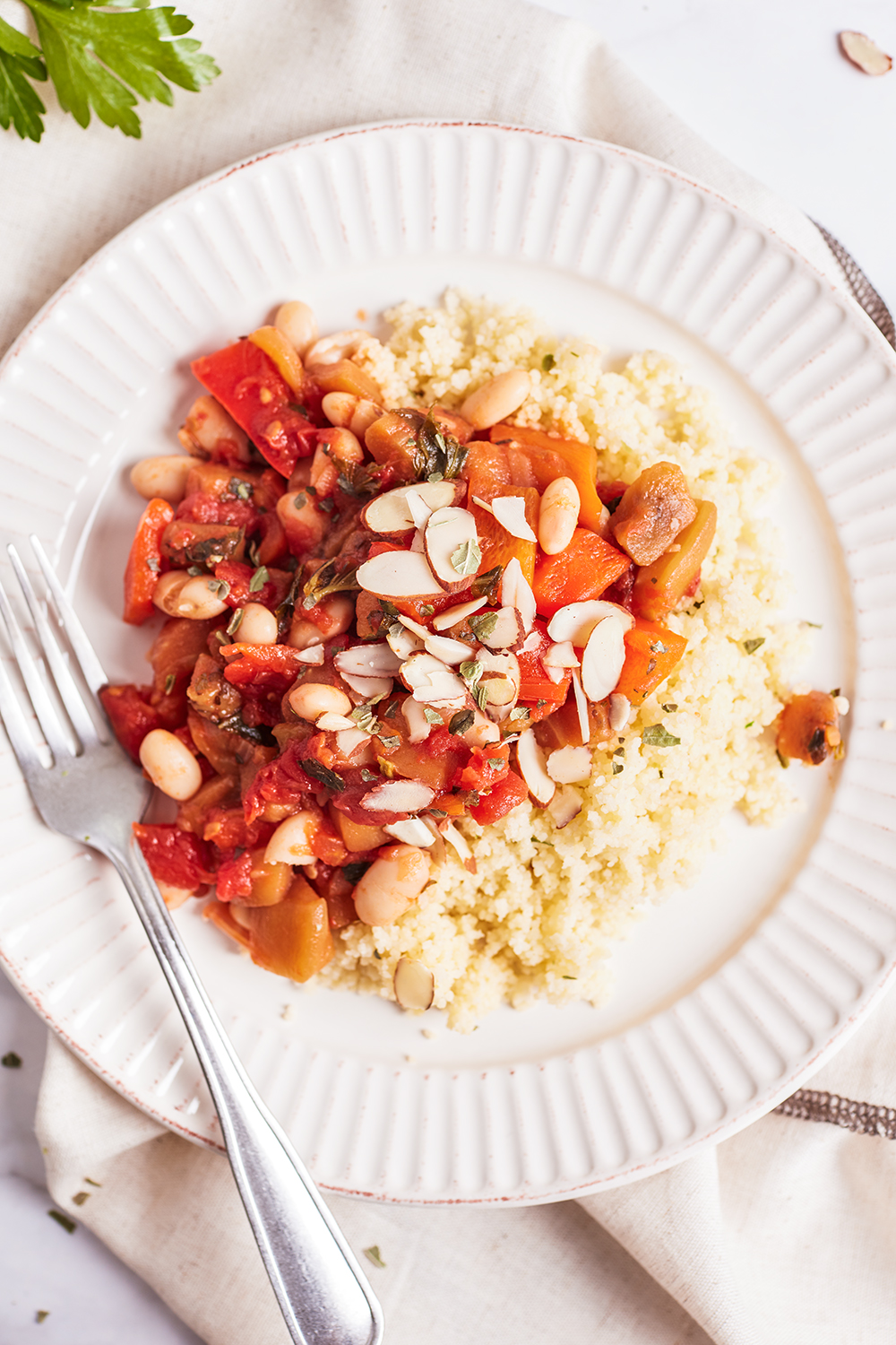 Eggplant and bell peppers stew with white beans